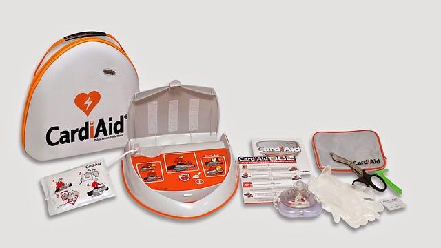 Defibrillator mit Zubehör
